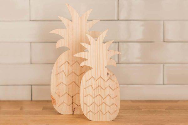 piñas de madera decorativas