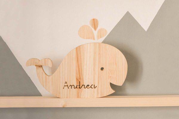 ballena de madera