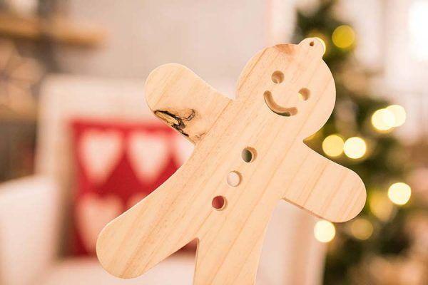 galleta de jengibre en madera